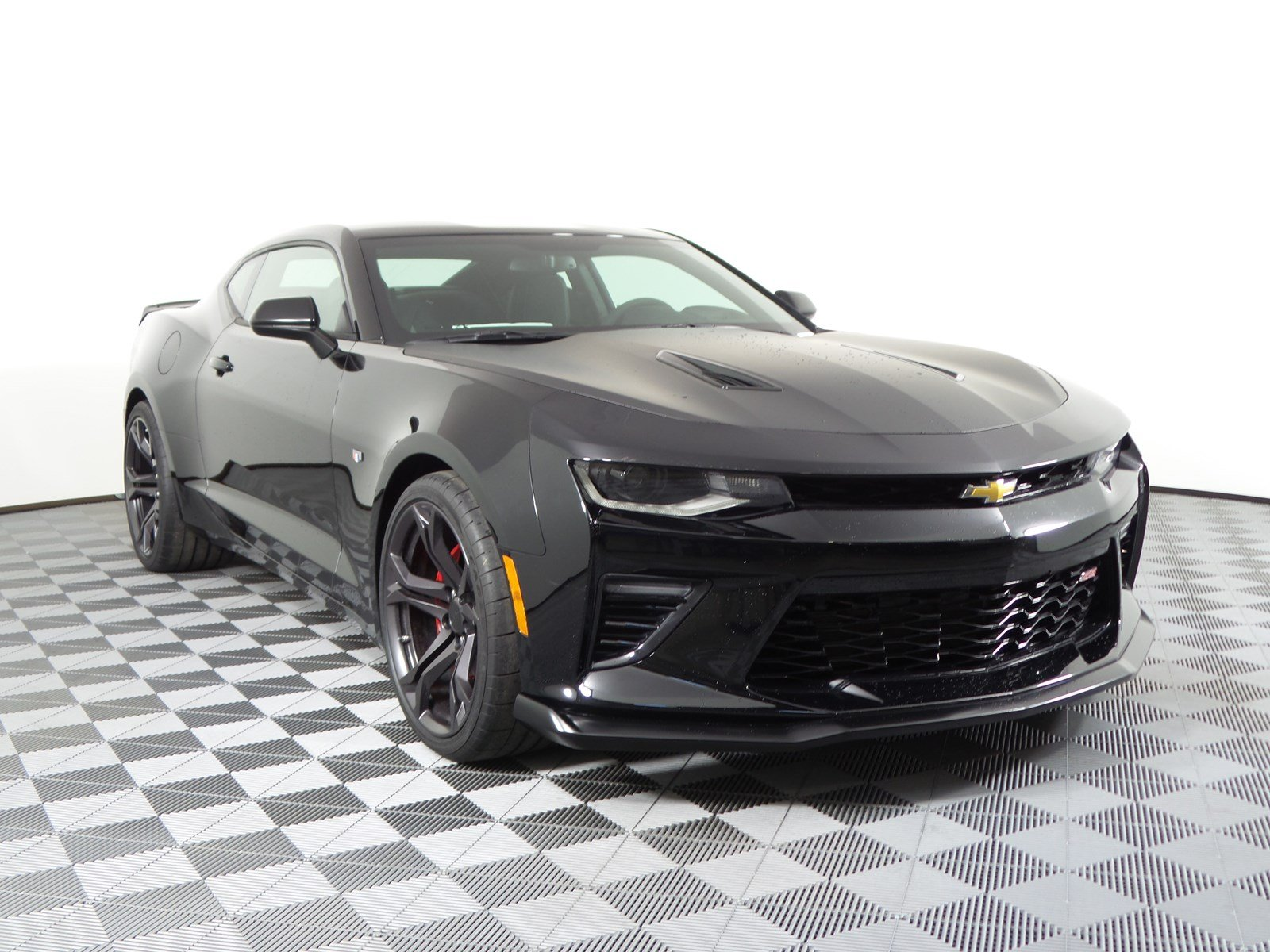 new 2018 chevrolet camaro ss in nampa d180483 kendall at the idaho center auto mall. Black Bedroom Furniture Sets. Home Design Ideas