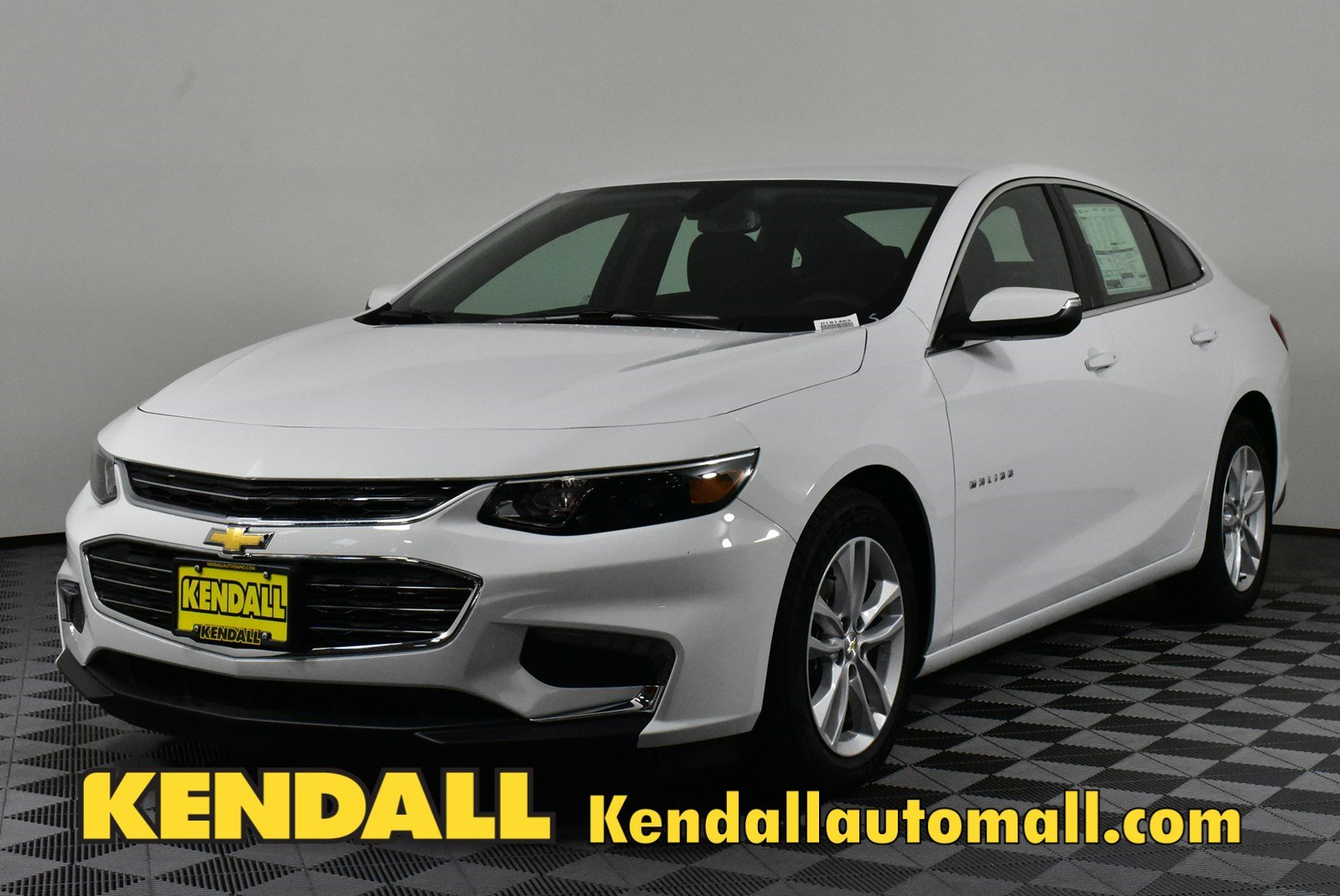 New 2018 Chevrolet Malibu Lt In Nampa D181463 Kendall At The