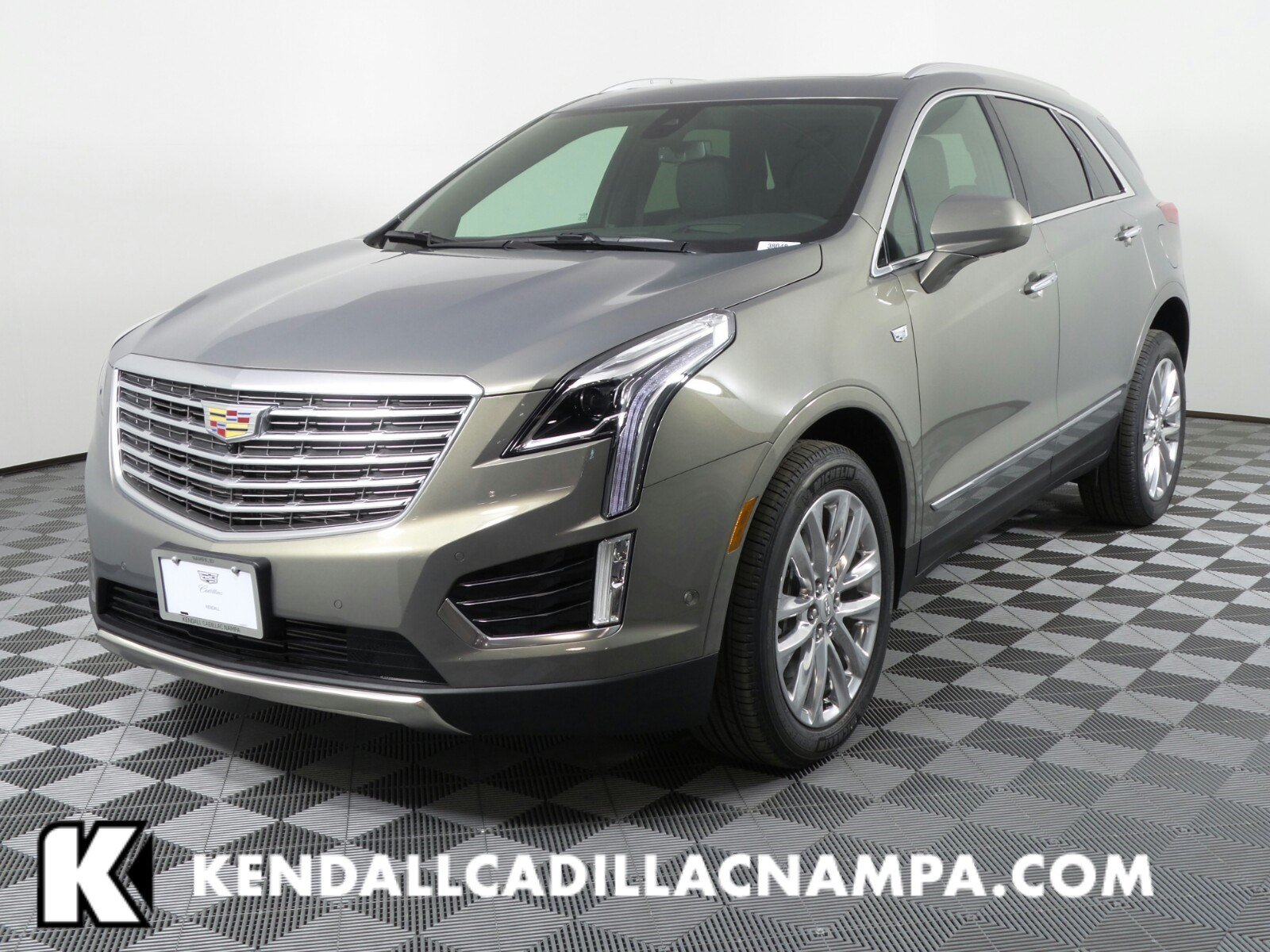 New 2018 Cadillac XT5 Platinum AWD