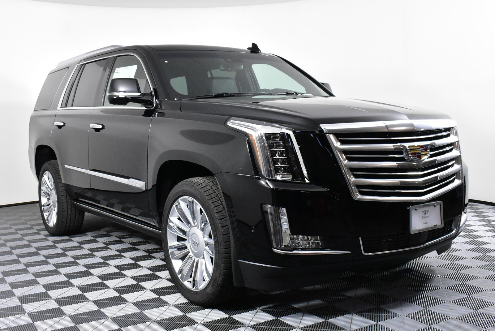 New 2018 Cadillac Escalade Platinum 4wd In Nampa D38075 Kendall