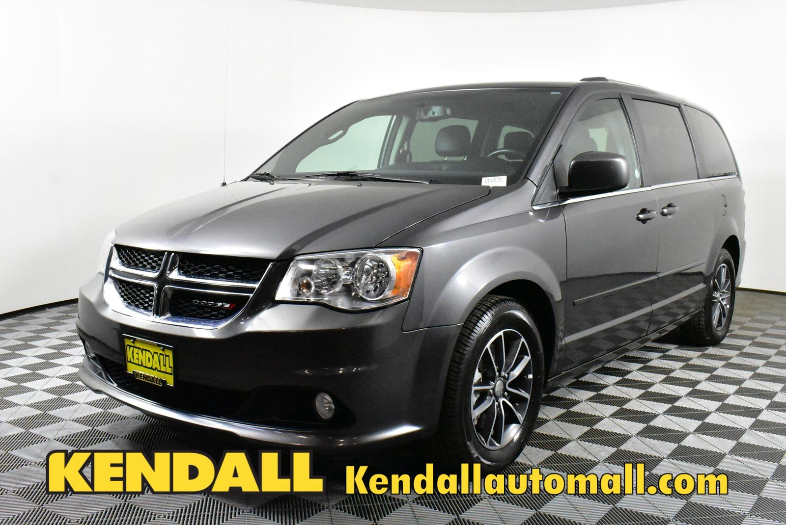 Pre Owned 2017 Dodge Grand Caravan Sxt